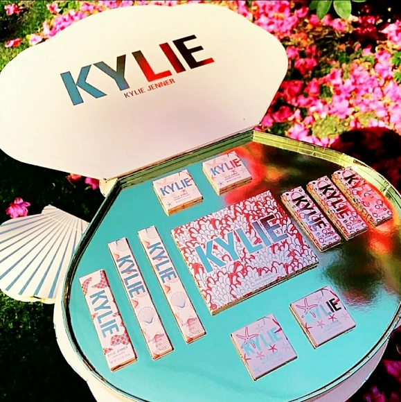 Kylie Cosmetics Other - *SOLD* Kylie Under The Sea Shell PR Vault
